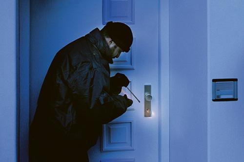 ХОППЕ, взломщик у двери